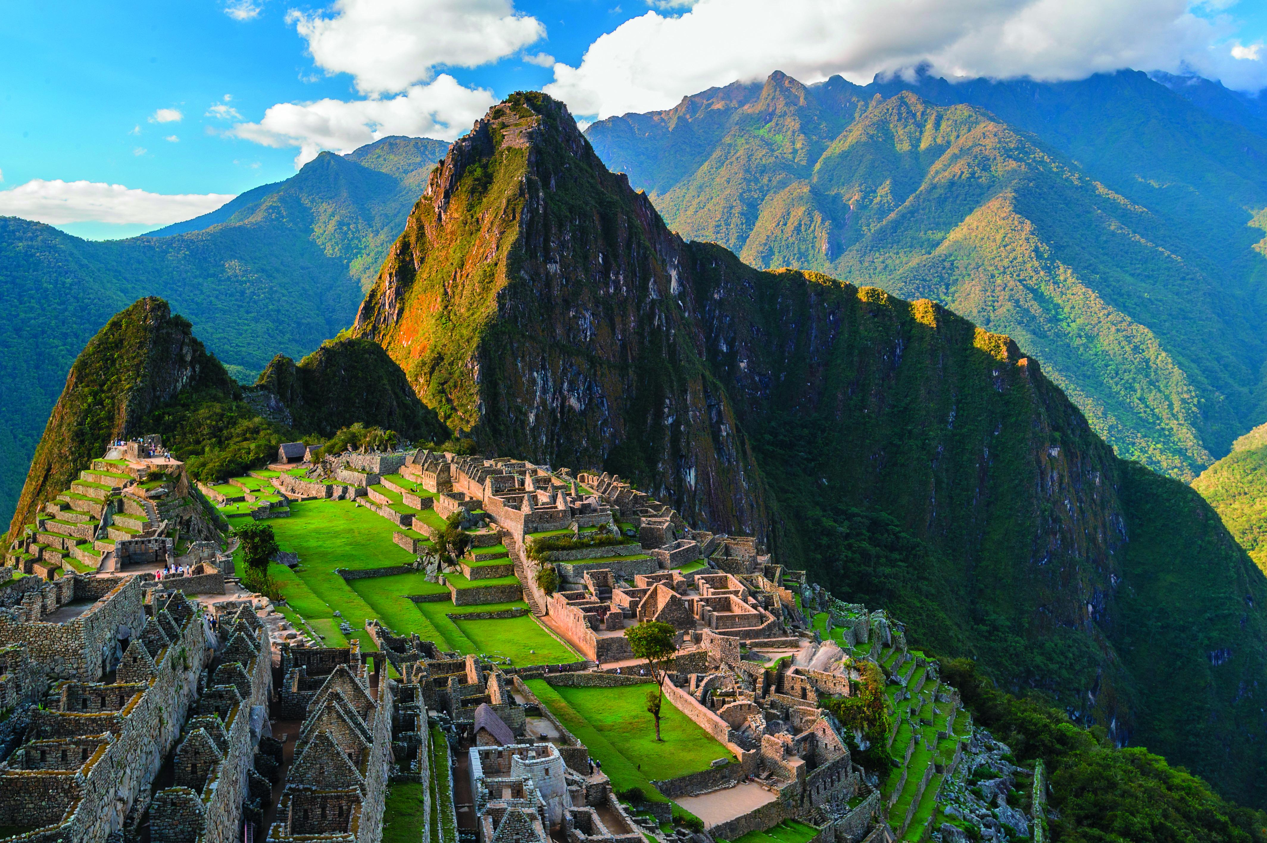 Machu Picchu_c shutterstock_147330278
